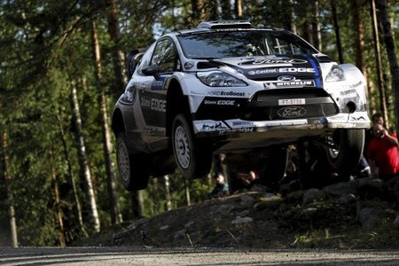 Sébastien Loeb gana el tramo de clasificación en Finlandia