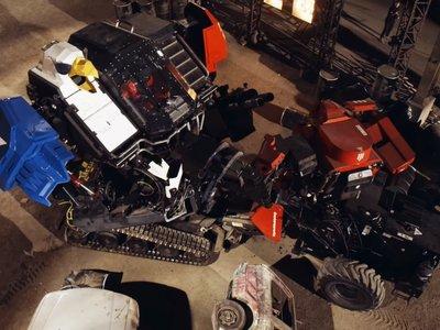 El combate de robots gigantes queda en empate: mucho ruido y pocos golpes