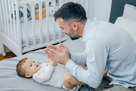 jugar con bebés