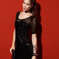 Foto 3 de 15 de la galería vestidos-de-fiesta-cortos-de-zara-mango-asos-topshop-y-bershka en Trendencias
