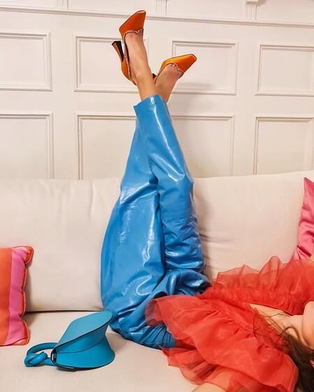 Si tienes unos pantalones turquesa este invierno, lo tienes todo