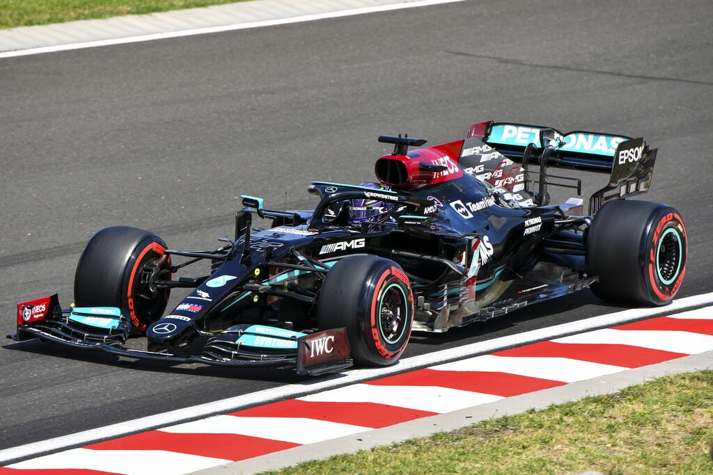 Sigue la guerra fría en la Fórmula 1: Lewis Hamilton hace la pole reteniendo a Max Verstappen en la Q3