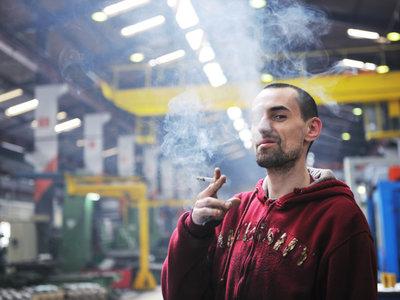 Para qué sirve un impuesto: así baja el número de fumadores cada vez que sube el precio del tabaco