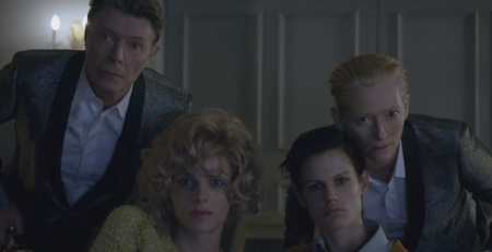 David Bowie frente al pasado y la fama en 'The Stars (Are Out Tonight)' con Tilda Swinton y Saskia de Brauw