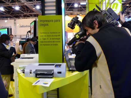 Simo2006: impresora de HP para invidentes