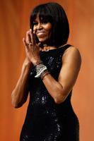 Karl Lagerfeld vuelve a sentenciar, esta vez el flequillo de Michelle Obama