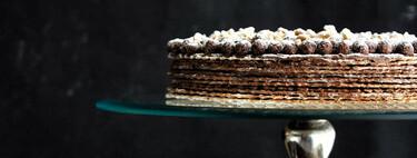Tarta de obleas con chocolate. Receta fácil de postre sin horno