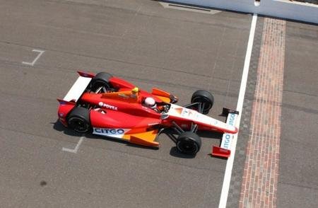 Ernesto José Viso registra la vuelta más rápida en la reciente práctica libre para las 500 Millas de Indianápolis