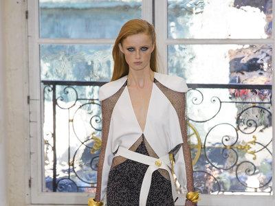 Larga vida a Nicolas Ghesquière. Su colección Primavera-Verano 2017 en Louis Vuitton te va a enamorar