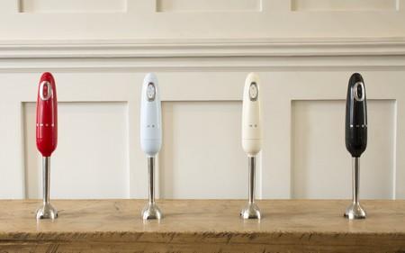 Smeg incorpora la batidora de mano a su adorable colección de pequeños electrodomésticos