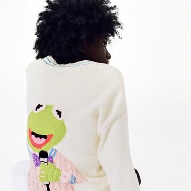 """Se avecina """"sold out"""": Zara lanza una chaqueta de punto de la Rana Gustavo y el resultado es maravilloso"""