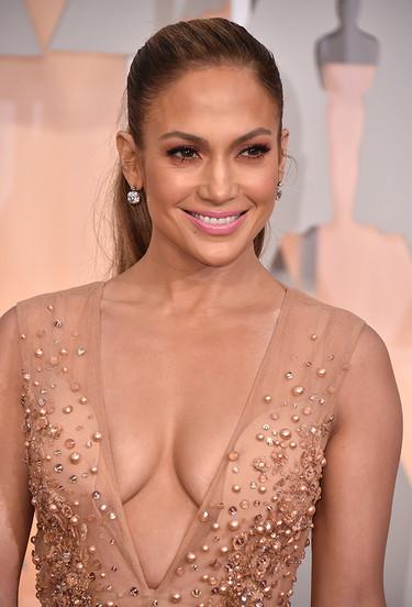 Jennifer Lopez de princesa, acierta con su Elie Saab en los Oscar 2015