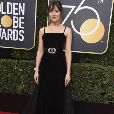 Dakota Johnson luce el vestido más espectacular de la noche de los Globos de Oro 2018