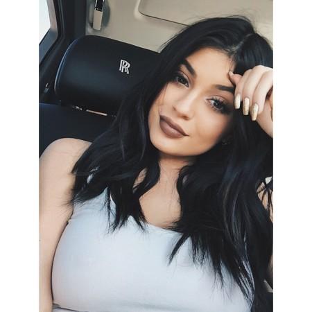 Kylie Jenner lanzará también su línea de esmaltes de uñas