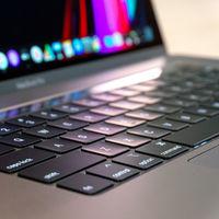 """¿Cómo de silencioso es el teclado del MacBook Pro de 16""""? Este test lo pone a prueba junto a otros portátiles"""