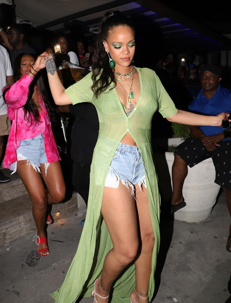Rihanna en Barbados de Fiesta
