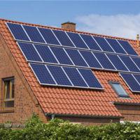 Los paneles solares no deberían orientarse siempre hacia el sur, sino hacia el oeste
