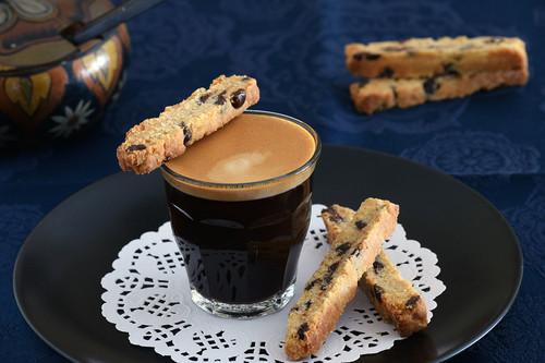 Biscotti crujientes de limón y chocolate: tentadora receta para el café (que casualmente es vegana)