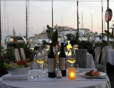 Roberto Cavalli inaugura el Cavalli Ibiza Restaurant & Lounge