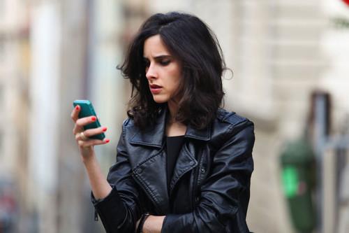 """""""Lo peor es que te acostumbras"""": algunos comentarios e insultos que tienen que aguantar las mujeres en redes sociales"""