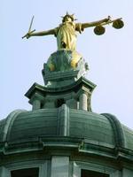 Sentencias, laudos, y evasión fiscal