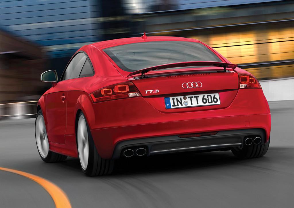Foto de Audi TTS (17/40)