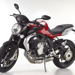 Foto 1 de 27 de la galería mv-agusta-brutale-675-desvelada-en-el-eicma-2012 en Motorpasion Moto