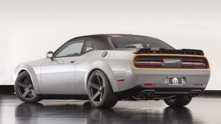 Mopar y su Dodge Challenger de tracción total, para disfrutar del V8 todo el año