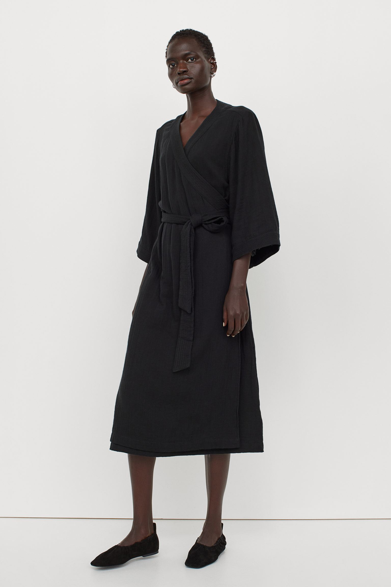 Vestido midi en tejido vaporoso de algodón con manga tres cuartos