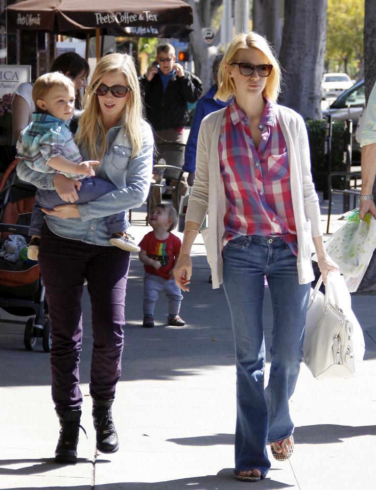 Foto de Top 10:6: Las famosas con mejor street style de 2013 (25/25)