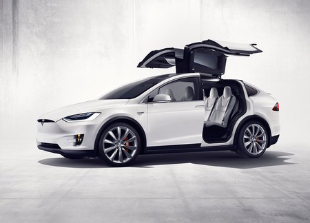 ¿Por qué Tesla quedó tan abajo en los rankings de Consumer Reports?