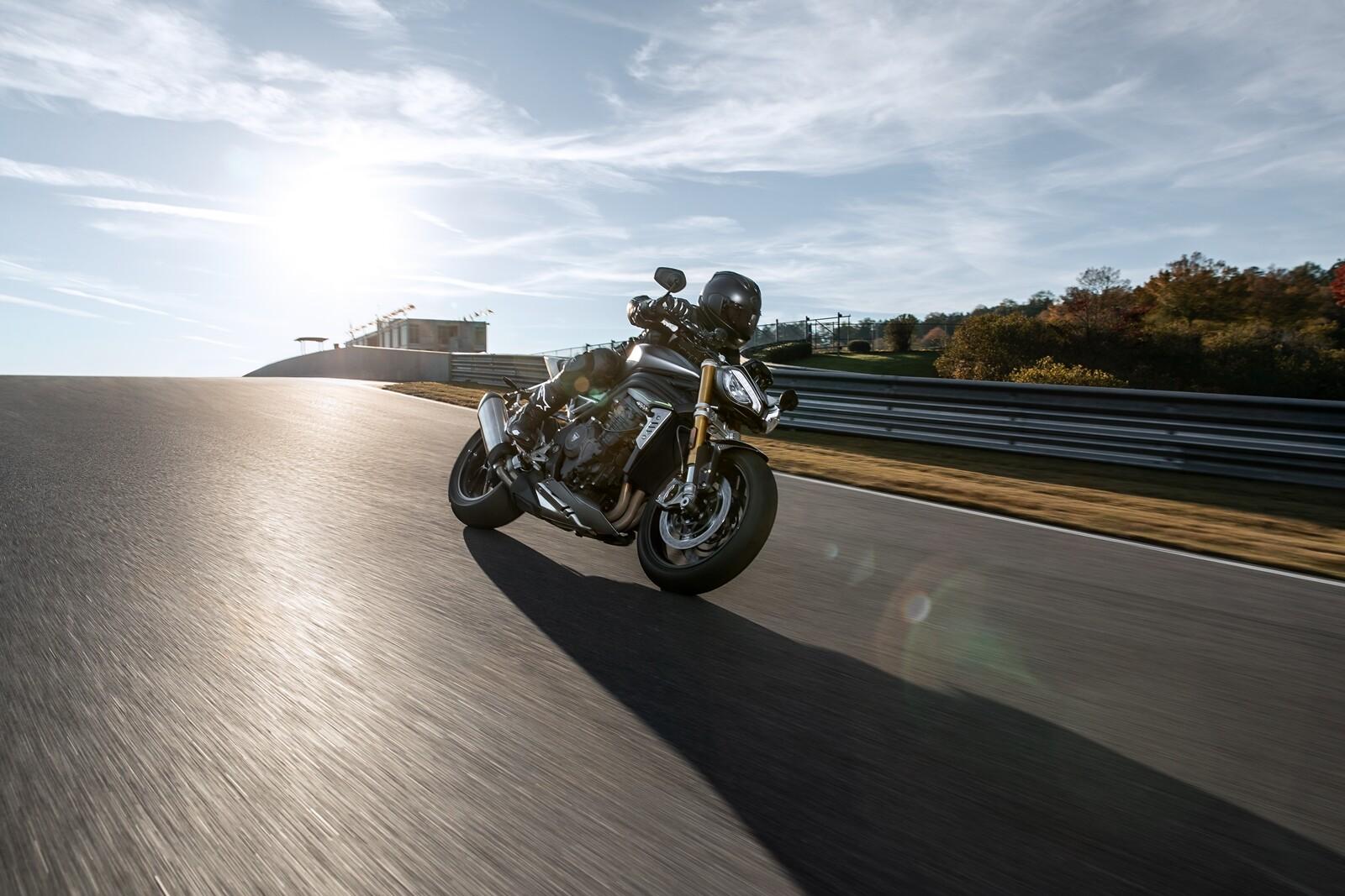 Foto de Triumph Speed Triple 1200 RS 2021 (25/71)