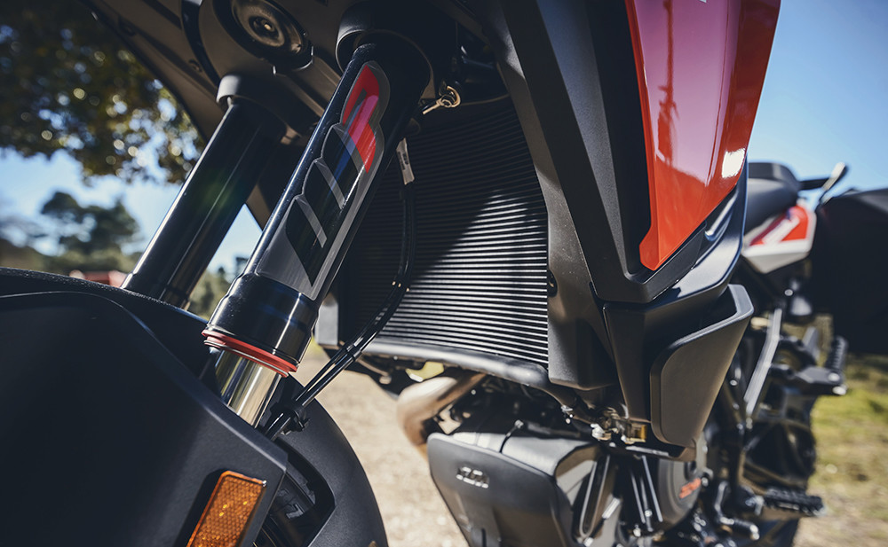 Foto de KTM 1290 Super Adventure S (49/51)