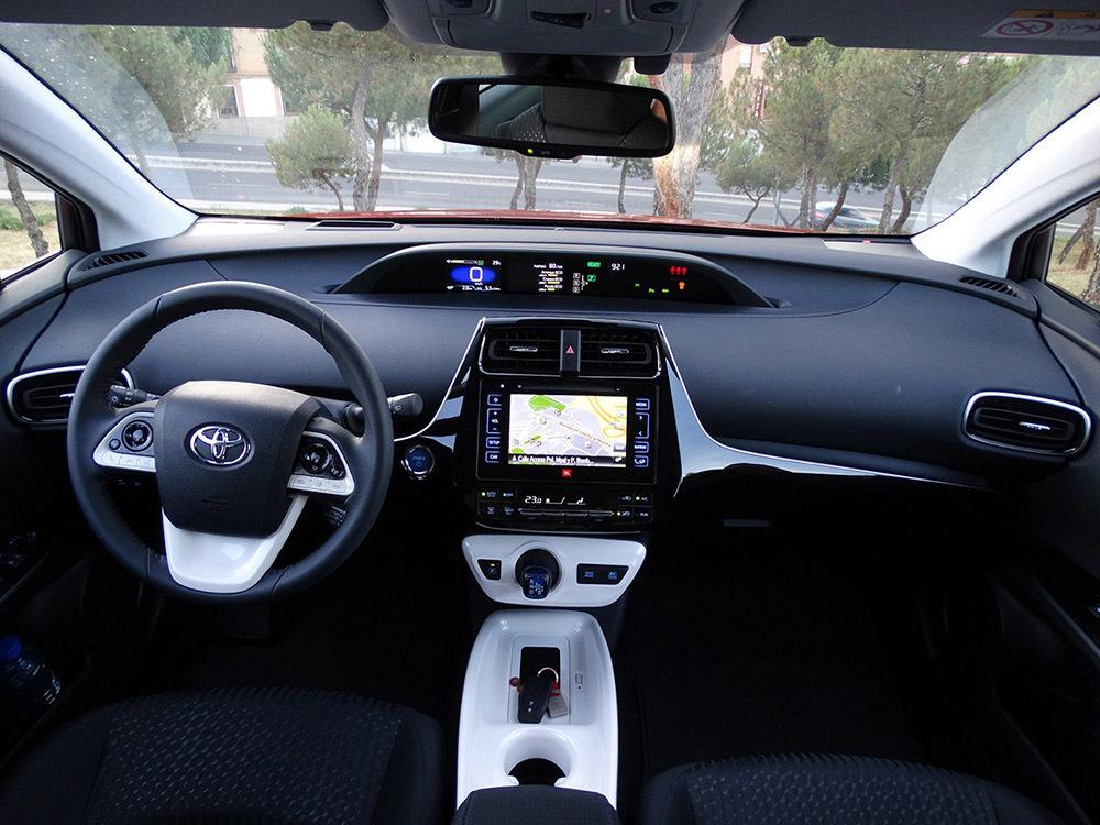 Foto de Prueba Toyota Prius 2016 interiores (13/39)