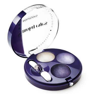 Maquillaje violeta, elementos imprescindibles
