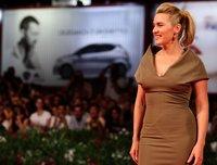 Los looks de Kate Winslet en el Festival de Venecia 2011, una decepción tras otra