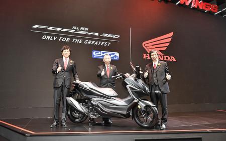 El scooter Honda Forza 350 ya es una realidad pero todavía no sabemos si llegará a España como sustituto del Honda Forza 300
