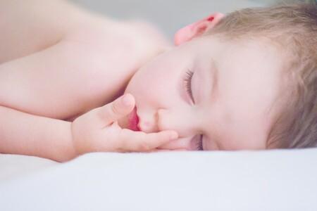 La cuna perfecta para dormir con tu bebé respetando su espacio es de Chicco y está en oferta en Amazon