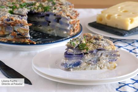 Pastel de patatas gratinado con queso emmental: receta fácil con tres ingredientes