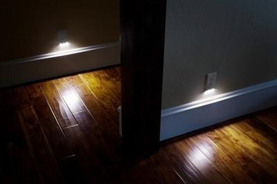 SnapRays Guidelight, tres luces LED en cada enchufe de la casa