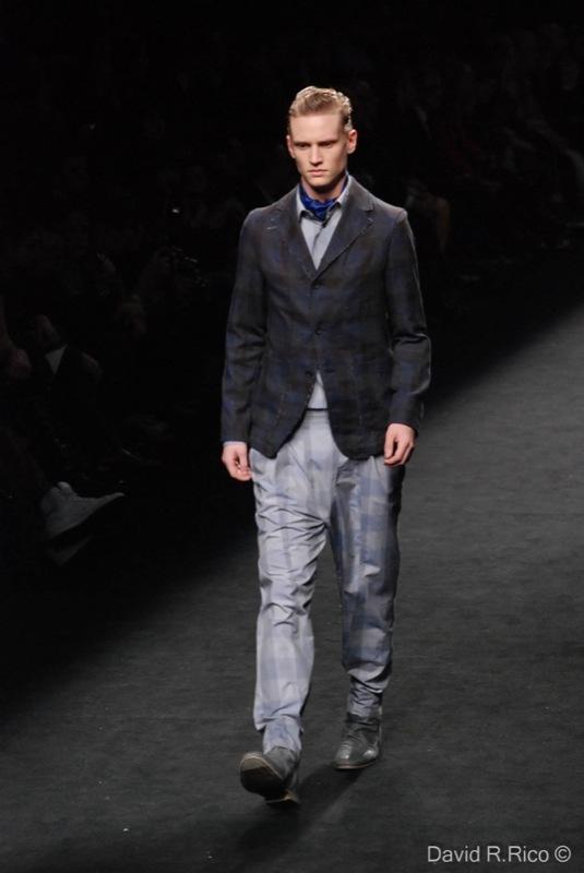 Foto de 080 Barcelona Fashion 2011: segunda jornada con las propuestas para el Otoño-Invierno 2011/2012 (64/99)