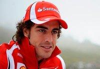 Oy, oy... que Alonso igual corre (y vuela) más rápido que su Ferrari