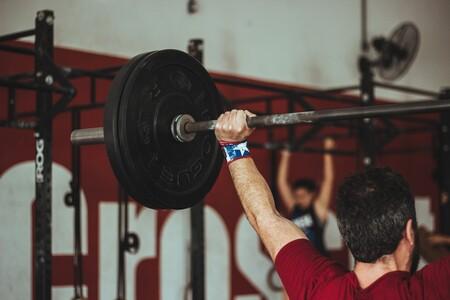 13 ejercicios de CrossFit para entrenar todo tu cuerpo en el gimnasio