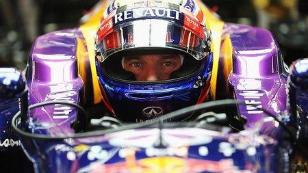 Mark Webber marca el mejor tiempo en Sepang pero los neumáticos son protagonistas