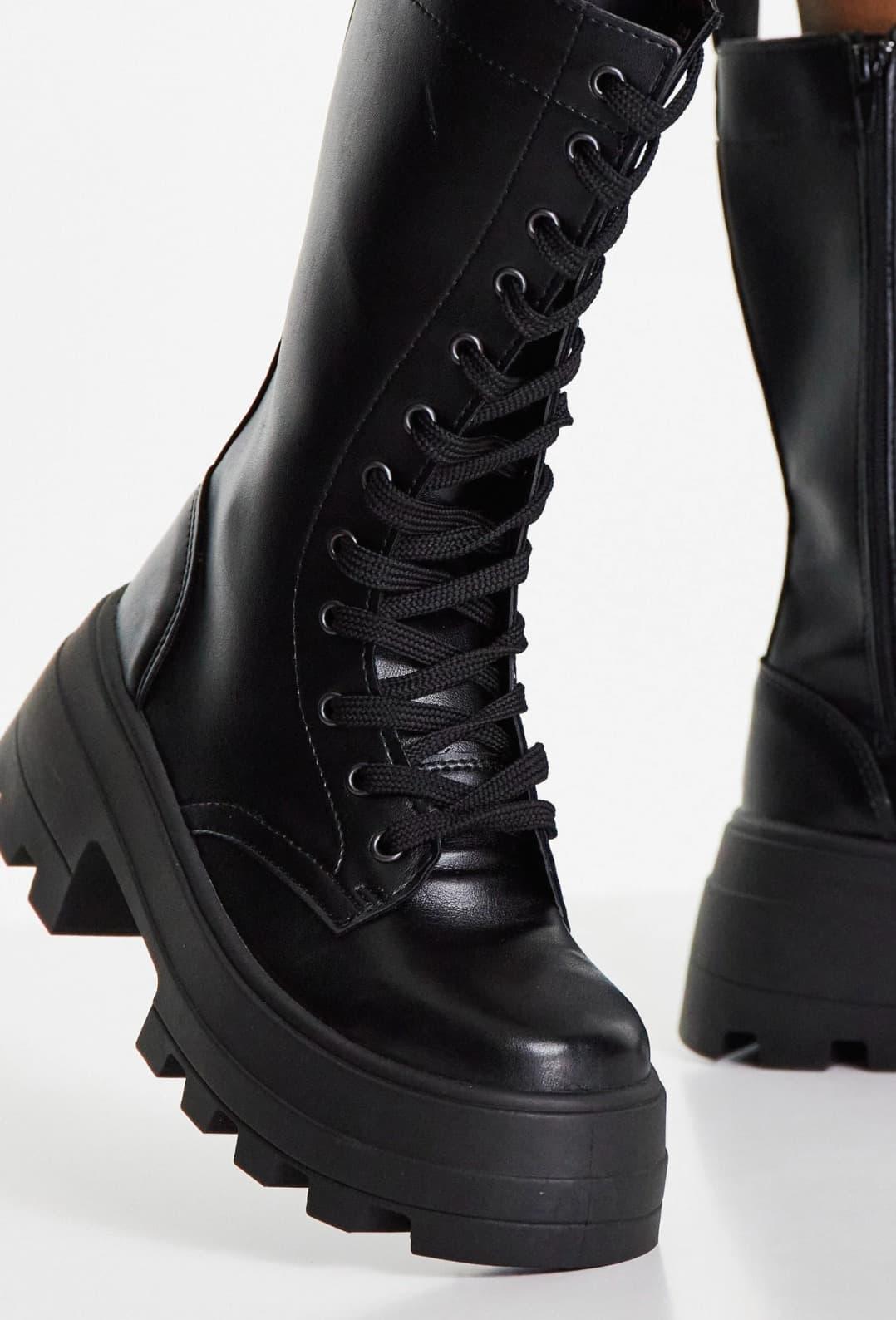 Botas negras con suela gruesa y cordones Aurora de ASOS DESIGN