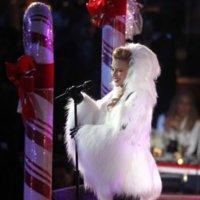 Londres vs París vs Nueva York ¿qué celebritie encendió las luces navideñas con más estilo?...uffff