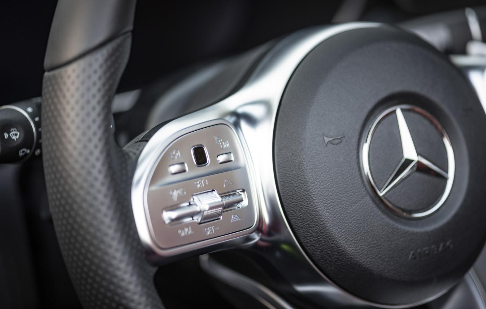 Foto de Mercedes-Benz Clase C 2018, toma de contacto (77/255)
