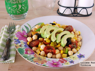 Tu dieta semanal con Vitónica (CLX): con ideas para consumir legumbres este verano