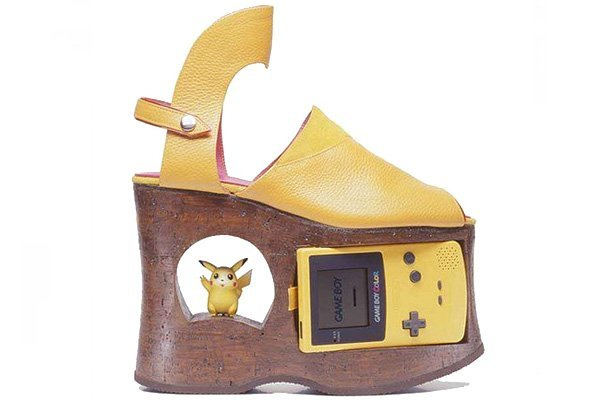 crazy-shoes-doris-woo-gameboy.jpg