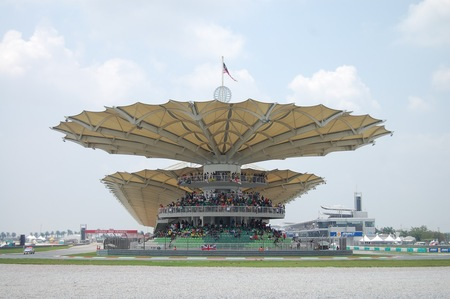 Visitando Malasia Torre Petronas en Sepang